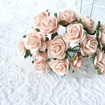 Цветы и флористика ручной работы. Ярмарка Мастеров - ручная работа Бумажные цветы Розово-персиковые светлые  2 см Розы для скрапбукинга. Handmade.