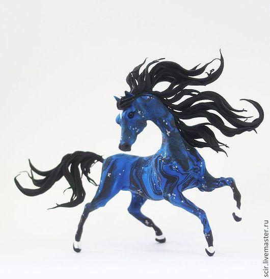"""Статуэтки ручной работы. Ярмарка Мастеров - ручная работа. Купить Фигурка """"Лошадь звездной ночи"""" (лошадь, синий цвет). Handmade."""