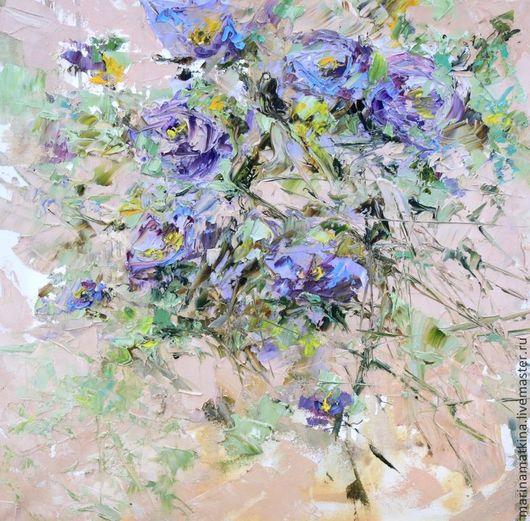 картина маслом на хослте с подрамником нежная с цветами в бежевую комнату бежевые обои цветы с букетом цветом  сиреневая сиреневый сиреневые бежевые бежевый охристый охристые охра спальню нежная легка
