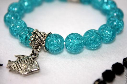 Браслеты ручной работы. Ярмарка Мастеров - ручная работа. Купить Яркий браслет из сахарного кварца голубого цвета. Handmade.