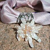 Украшения handmade. Livemaster - original item Necklace made of silk with a pendant of mother-of-pearl, Lily. Handmade.