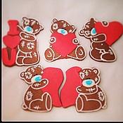 """Сувениры и подарки ручной работы. Ярмарка Мастеров - ручная работа Имбирное печенье  Мишки Тэдди """"Me to you"""" с сердцем. Handmade."""