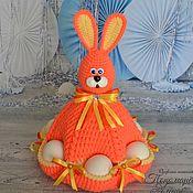 """Мягкие игрушки ручной работы. Ярмарка Мастеров - ручная работа Пасхальный Заяц с карманами для яиц """"ОранжевоЖелтый"""". Handmade."""