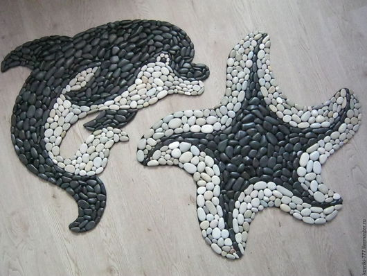 Комплект каменный коврик `Дельфин` и `Морская звезда` Цена  коврика  `Дельфин` 7000 руб. Размер 64Х69 см. Цена коврика `Морская звезда` 8000 руб. Размер 70Х70 см.
