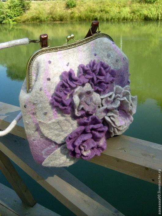 Женские сумки ручной работы. Ярмарка Мастеров - ручная работа. Купить Валяная сумка. Handmade. Сиреневый, подарок, сумка войлочная