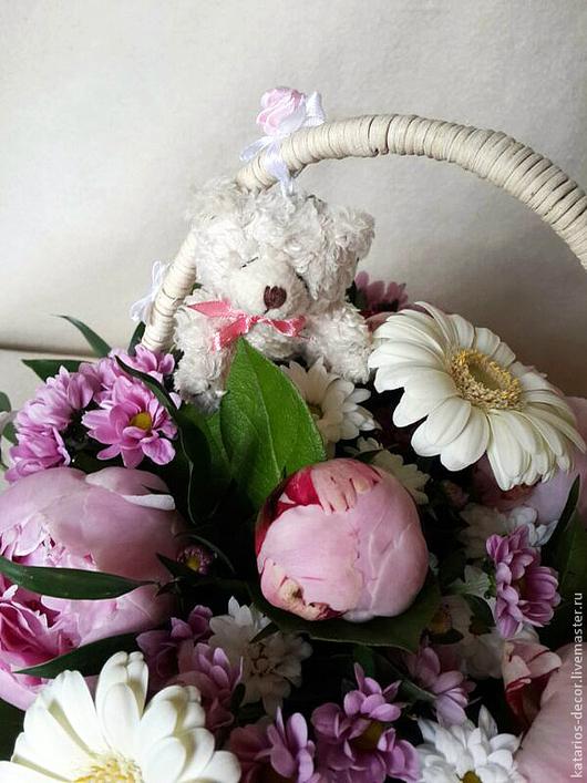 Букеты ручной работы. Ярмарка Мастеров - ручная работа. Купить Корзинка цветов на крестины. Handmade. Кремовый, детям, букет цветов