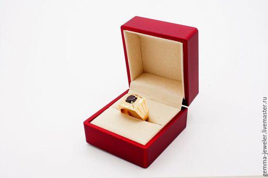 Украшения для мужчин, ручной работы. Ярмарка Мастеров - ручная работа. Купить Мужской золотой перстень Африканское сафари. Handmade. Бордовый