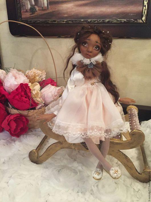 Коллекционные куклы ручной работы. Ярмарка Мастеров - ручная работа. Купить Наоми. Handmade. Бежевый, купить авторскую куклу, шёлк