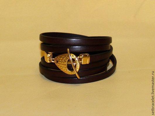 Браслеты ручной работы. Ярмарка Мастеров - ручная работа. Купить Женский кожаный браслет, шнур 5мм, в 6 оборотов, коричневый, тоггл. Handmade.