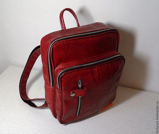 Рюкзаки ручной работы. Ярмарка Мастеров - ручная работа. Купить Рюкзак кожаный городской 23. Handmade. Ярко-красный