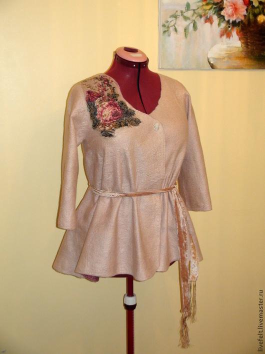 """Пиджаки, жакеты ручной работы. Ярмарка Мастеров - ручная работа. Купить Валяный пиджак """" Дымчатая роза """" бежевый. Handmade."""