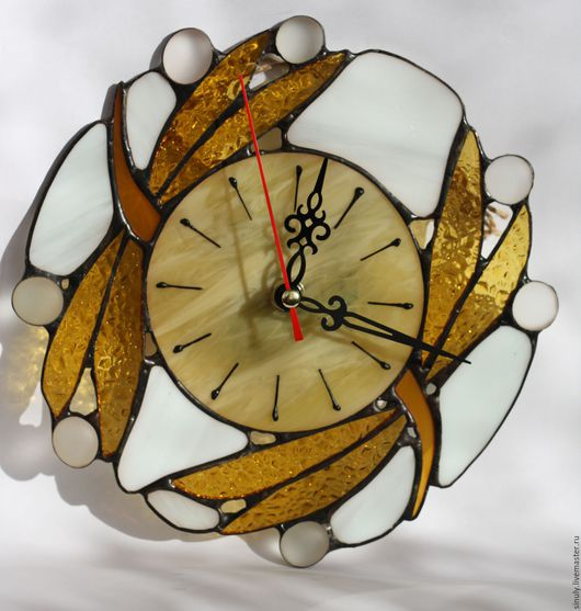 """Часы для дома ручной работы. Ярмарка Мастеров - ручная работа. Купить Витражные часы """"Золотистые стрекозы"""". Handmade. Комбинированный"""