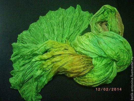 Шарфы и шарфики ручной работы. Ярмарка Мастеров - ручная работа. Купить Батик Зеленый шум Шарф натуральный шелк. Handmade.