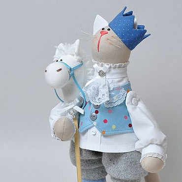 Котик-принц на белом коне