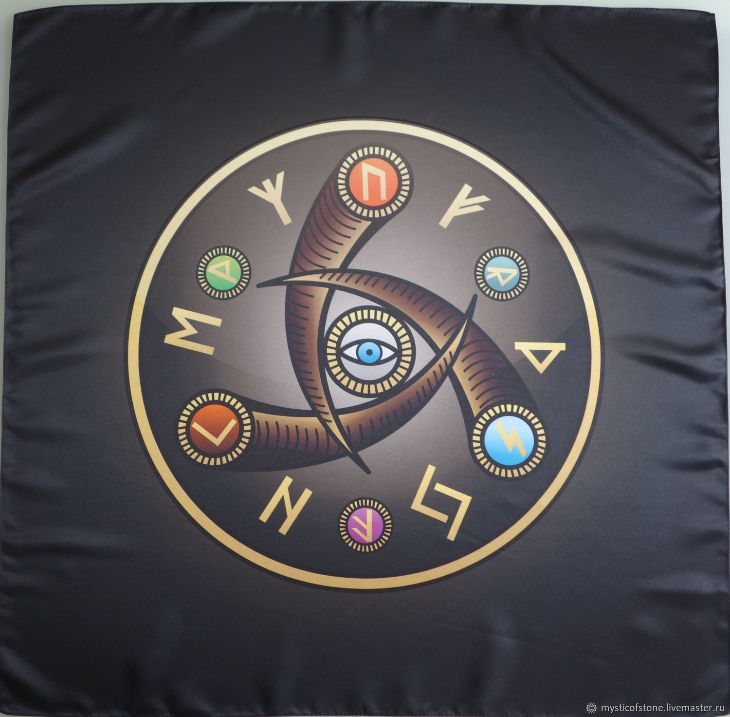 Wicca Altar Cloth Eye of Woden, Runes, Moscow,  Фото №1