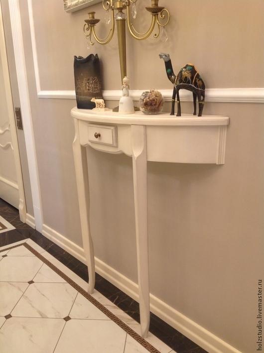 Консоль со шкафчиком для мелочей Обязательный атрибут интерьера шебби или прованс. Принимаем заказы на изготовление предметов мебели из НАТУРАЛЬНОГО дерева. С условиями покупки и размещения заказа можно ознакомиться в правилах магазина (слева на панели)