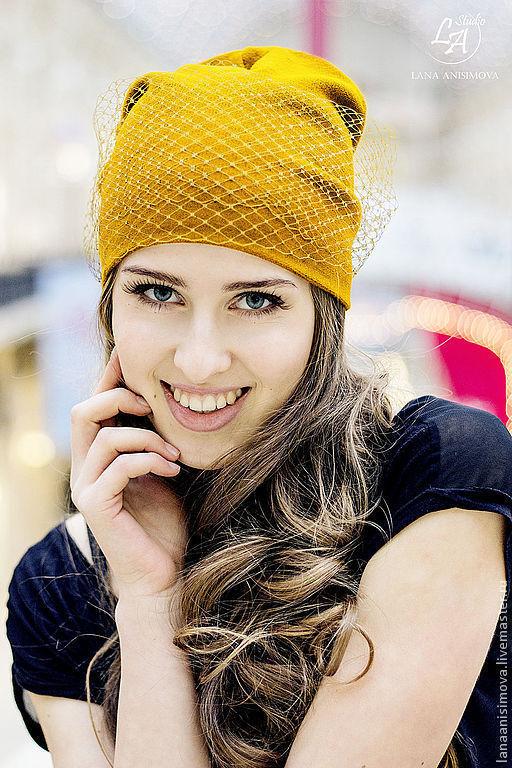 вуаль под цвет шапочки Прежде, чем делать заказ, уточните желаемый цвет шапочки и вуали, написав личное сообщение мастеру либо позвонив по тел. +7(926)056-40-46 (Лана)