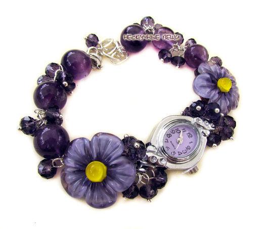 """Часы ручной работы. Ярмарка Мастеров - ручная работа. Купить """"Виолетта"""" наручные часы с бусинами лэмпворк. Handmade. Фиолетовый"""