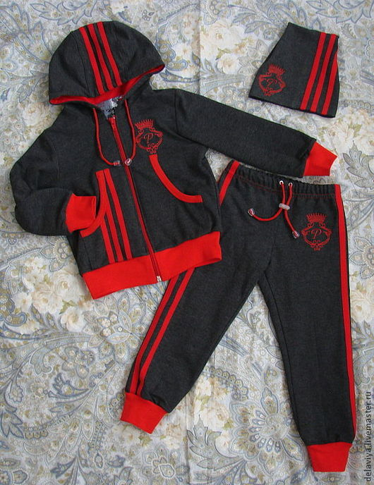 """Одежда для мальчиков, ручной работы. Ярмарка Мастеров - ручная работа. Купить Костюм спортивный """"Классическая трехполоска"""" с монограммой. Handmade."""