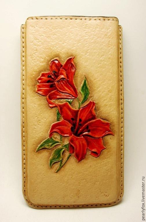 Для телефонов ручной работы. Ярмарка Мастеров - ручная работа. Купить Кожаный чехол для телефона ручной работы Лилии. Handmade.