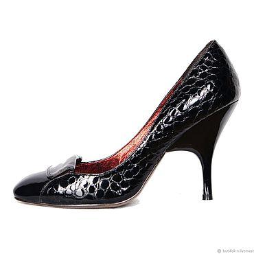 Обувь ручной работы. Ярмарка Мастеров - ручная работа Туфли с квадратным мысом из лаковой кожи с тиснением под рептилию. Handmade.