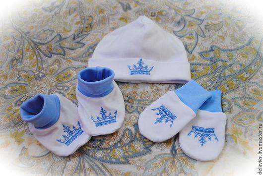 """Одежда ручной работы. Ярмарка Мастеров - ручная работа. Купить Комплект для малыша """"Короны-2"""". Handmade. Белый, для новорожденных"""
