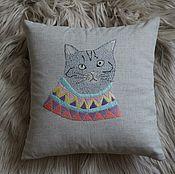 Для дома и интерьера ручной работы. Ярмарка Мастеров - ручная работа подушка с вышитыми котами. Handmade.