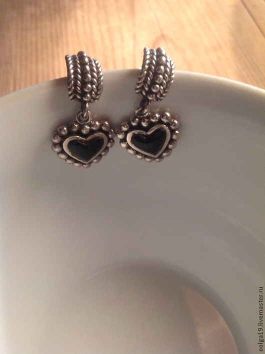 Серьги ручной работы. Ярмарка Мастеров - ручная работа. Купить Серьги-гвоздики из серебра 925 пробы с черным ониксом в форме сердца. Handmade.