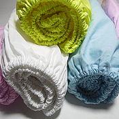 Комплект белья в кроватку ручной работы. Ярмарка Мастеров - ручная работа Комплект белья в кроватку: простынь на резинке. Handmade.