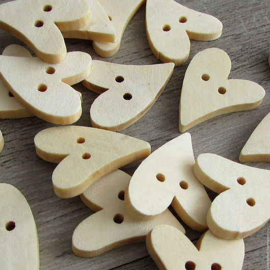 Пуговица деревянная. Пуговица Сердце, натуральное дерево, 271