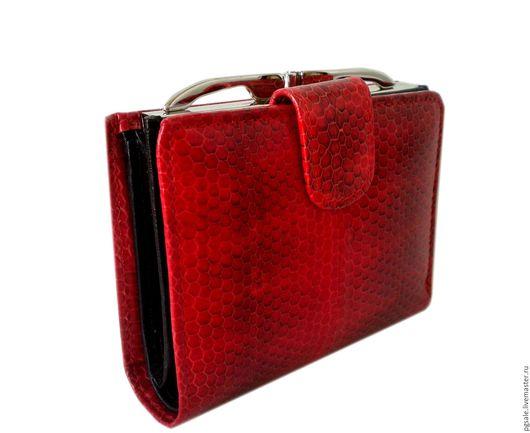 Красный кошелек из кожи морской змеи. Красный женский кошелек. Купить кошелек из кожи. Подарок женщине. Подарок. Кошелек в подарок.PGsale