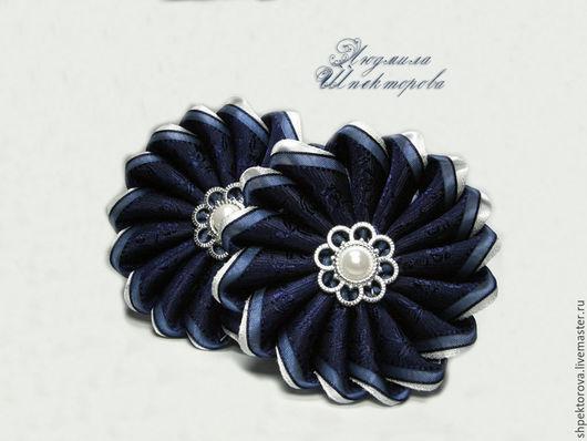 """Детская бижутерия ручной работы. Ярмарка Мастеров - ручная работа. Купить Резинки для волос для девочки канзаши """"Мисс элегантность""""  синие. Handmade."""