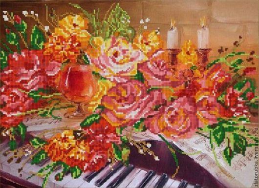 Розы на фортепиано.