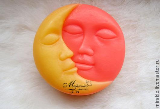 Мыло ручной работы. Ярмарка Мастеров - ручная работа. Купить Мыло  Солнце и Луна. Handmade. Желтый, любовь, мыло сувенирное