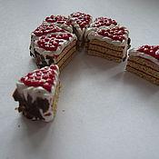 Куклы и игрушки ручной работы. Ярмарка Мастеров - ручная работа Миниатюрная выпечка. Торт с клюквой. Handmade.