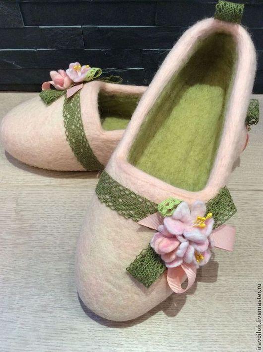 """Обувь ручной работы. Ярмарка Мастеров - ручная работа. Купить Тапочки"""" Первый бал"""". Handmade. Бледно-розовый, подарок девушке"""