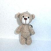 Куклы и игрушки ручной работы. Ярмарка Мастеров - ручная работа Брелок-игрушка Бежевый медвежонок. Handmade.