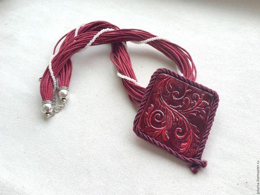 """Кулоны, подвески ручной работы. Ярмарка Мастеров - ручная работа. Купить Крупный кулон на шнурах полимерная глина """"Рубиновый закат"""". Handmade."""