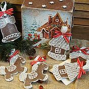Подарки к праздникам ручной работы. Ярмарка Мастеров - ручная работа Пряничный домик - набор елочных украшений. Handmade.