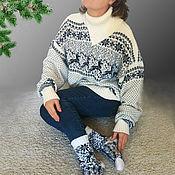 Подарки к праздникам ручной работы. Ярмарка Мастеров - ручная работа Свитер с оленями Новогодний подарок шерсть белый. Handmade.