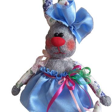 Куклы и игрушки ручной работы. Ярмарка Мастеров - ручная работа Заяц в голубой юбке. Handmade.