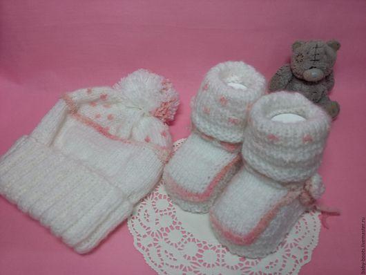 Для новорожденных, ручной работы. Ярмарка Мастеров - ручная работа. Купить Комплект из шапочки и пинеток. Handmade. Белый, пинетки
