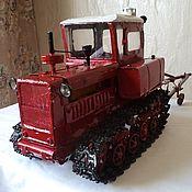 Куклы и игрушки ручной работы. Ярмарка Мастеров - ручная работа Игрушка-модель советского трактора ДТ-75Н с плугом. Handmade.