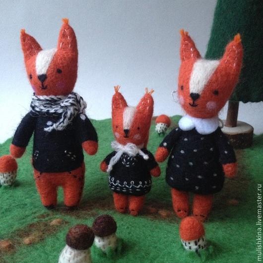 Игрушки животные, ручной работы. Ярмарка Мастеров - ручная работа. Купить Развивающая валяная игрушка из шерсти Белки на грибной поляне. Handmade.