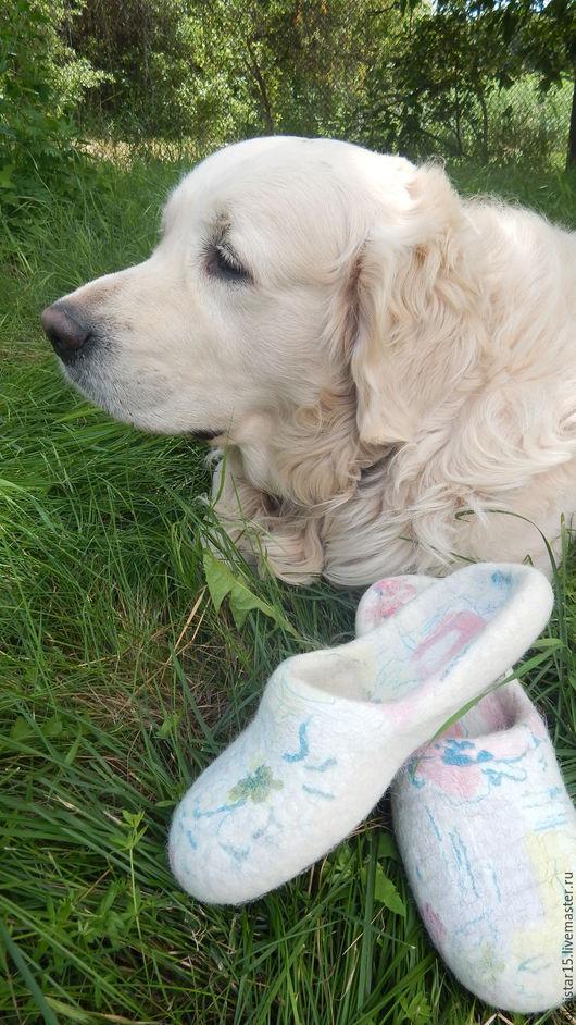 """Обувь ручной работы. Ярмарка Мастеров - ручная работа. Купить Валяные тапочки с собачьей шерстью """"Оди"""". Handmade. Белый"""