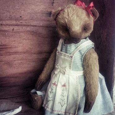Куклы и игрушки ручной работы. Ярмарка Мастеров - ручная работа Медведица в фартуке. Handmade.