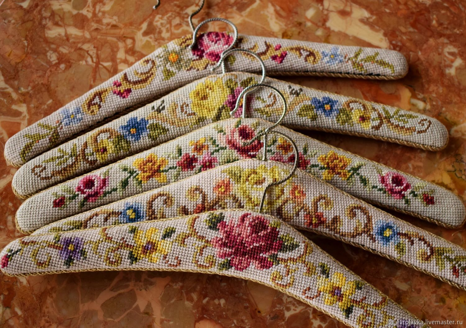 Tapestry hangers, hand embroidery. Germany, Vintage interior, Trier,  Фото №1