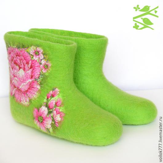 """Обувь ручной работы. Ярмарка Мастеров - ручная работа. Купить Домашние валенки """"Пионы"""". Handmade. Ярко-зелёный, оригинальный подарок"""