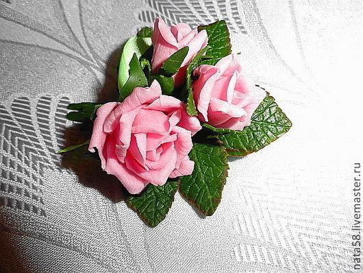 """Броши ручной работы. Ярмарка Мастеров - ручная работа. Купить Мини-брошь """"Букетик любимых роз"""". Handmade. Нежные розы"""