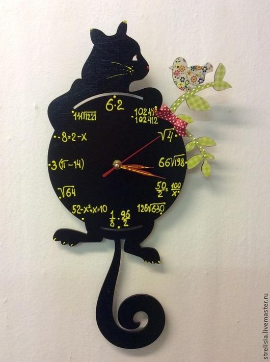"""Часы для дома ручной работы. Ярмарка Мастеров - ручная работа. Купить Часы настенные """"Умнику"""". Handmade. Черный кот"""